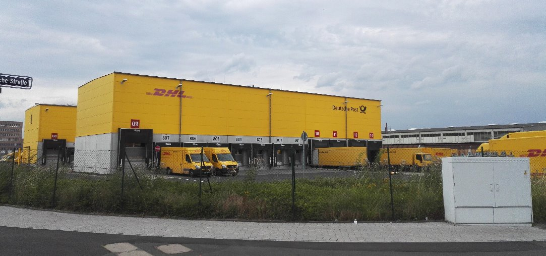 dhl zustellbasis in frankfurt am main fechenheim paketzentrum von dhl. Black Bedroom Furniture Sets. Home Design Ideas