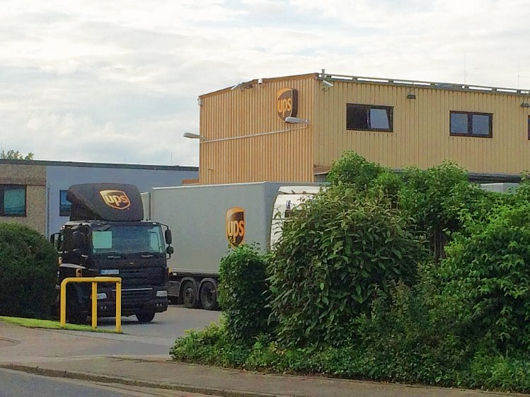 ups depot m nchenladbach paketzentrum von ups. Black Bedroom Furniture Sets. Home Design Ideas